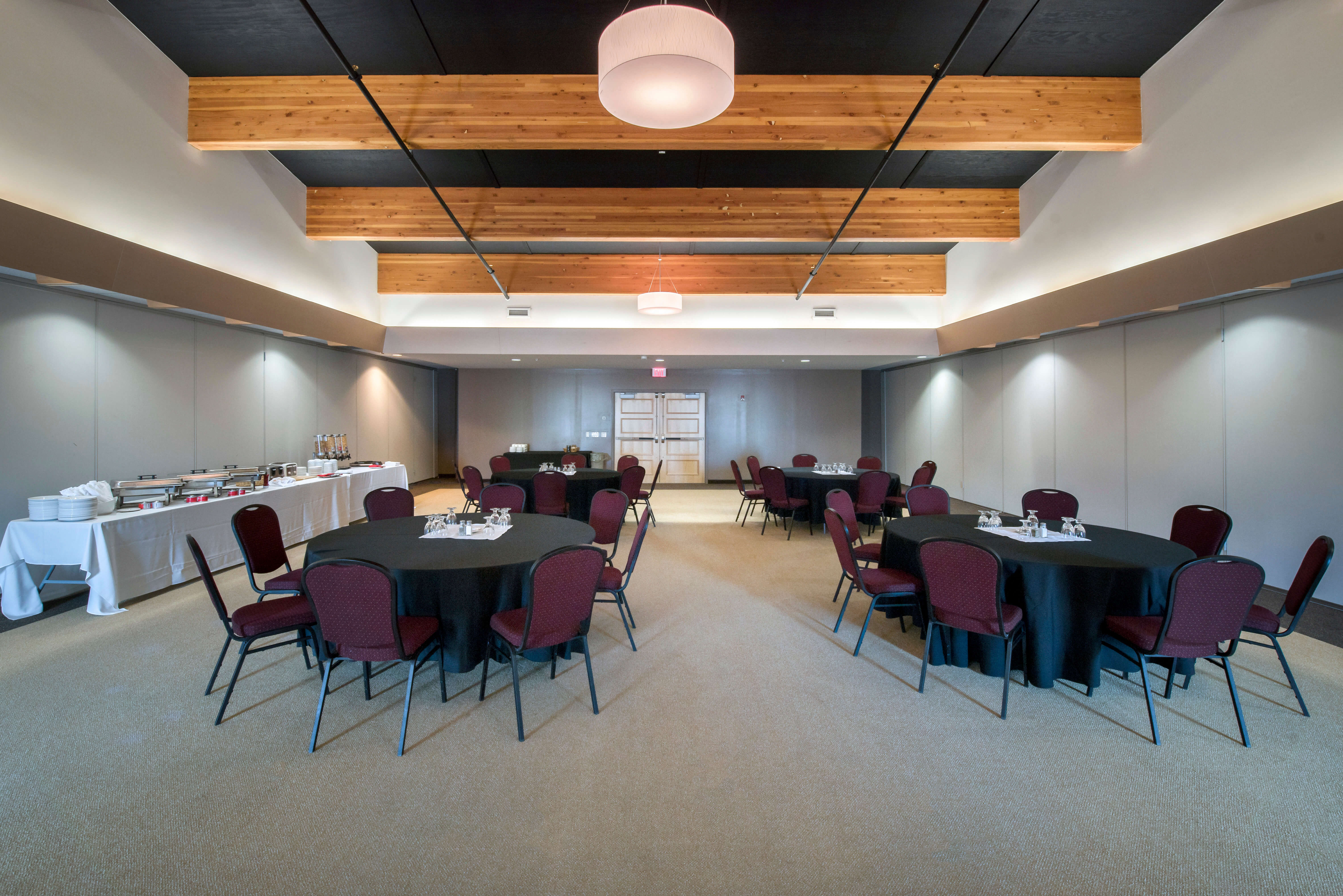 Manitoulin Hotel & Conference Centre - Little Current Ontario